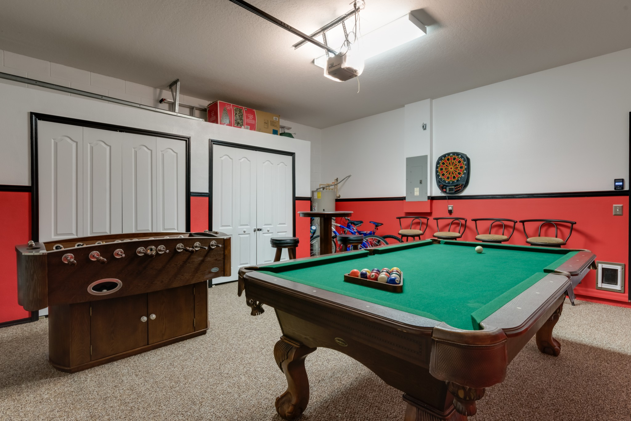 mickeys manor games room